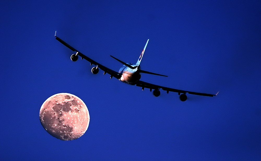 AirplaneMoon
