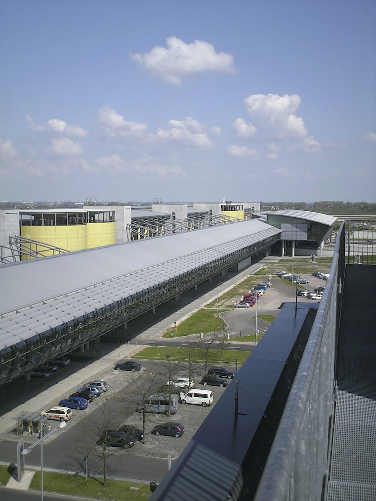 Airport Halle / Leipzig