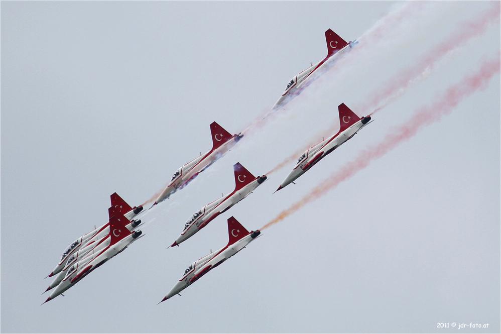Airpower 2011 - Turkish Stars (2)