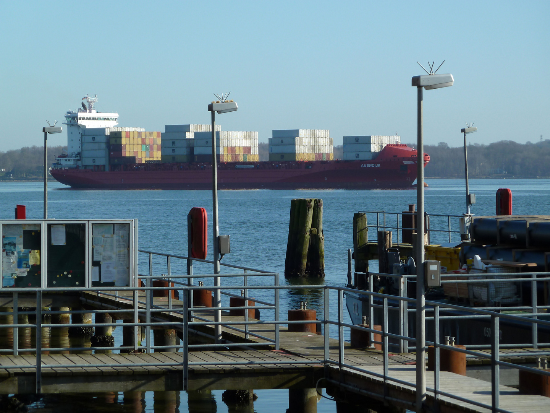 Akerdijk-Containerschiff-