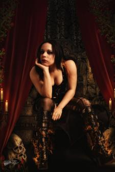aki caos queen
