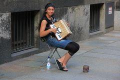 Akkordeonspielerin