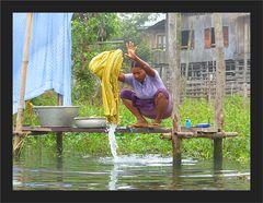 Akrobatisches Wäschewaschen