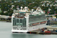 Akureyri, Kreuzfahrer im Hafen