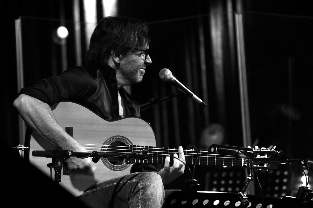 Al Di Meola in concert..