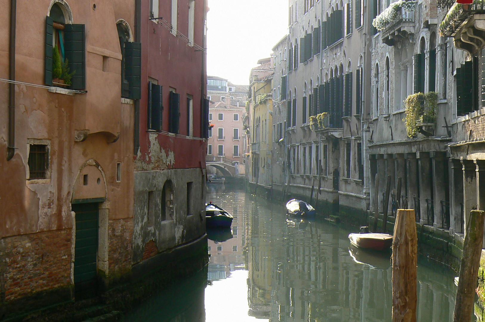Alba nel canale
