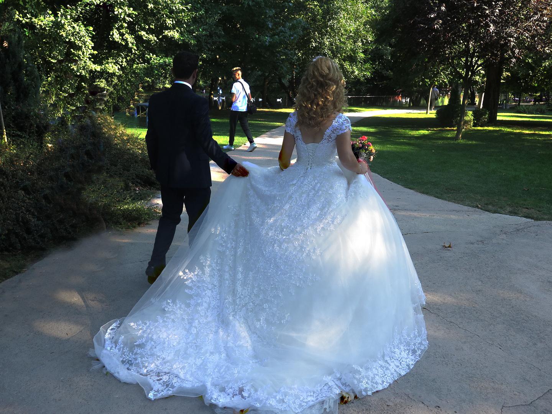 Albanien Hochzeitspaar in der Sommerresidenz