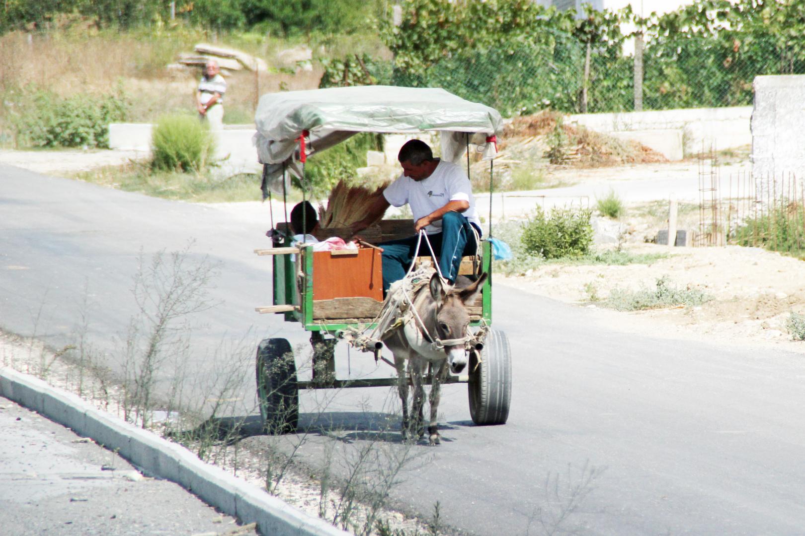Albanien :Umweltfreundlicher Kraftstoffsparer, aber nicht abgasfrei.