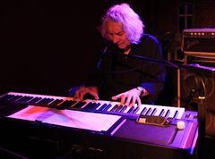 Albert Lee -  keyboard