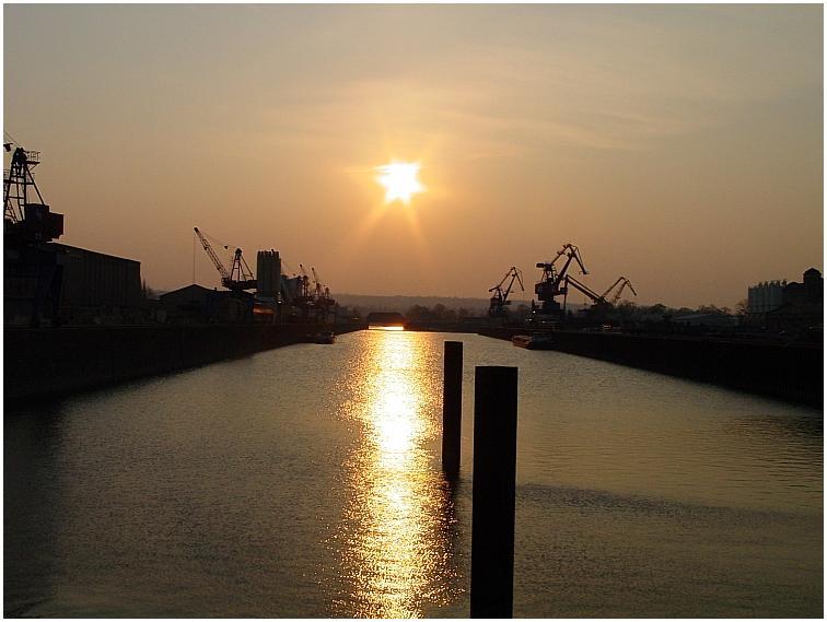 Alberthafen