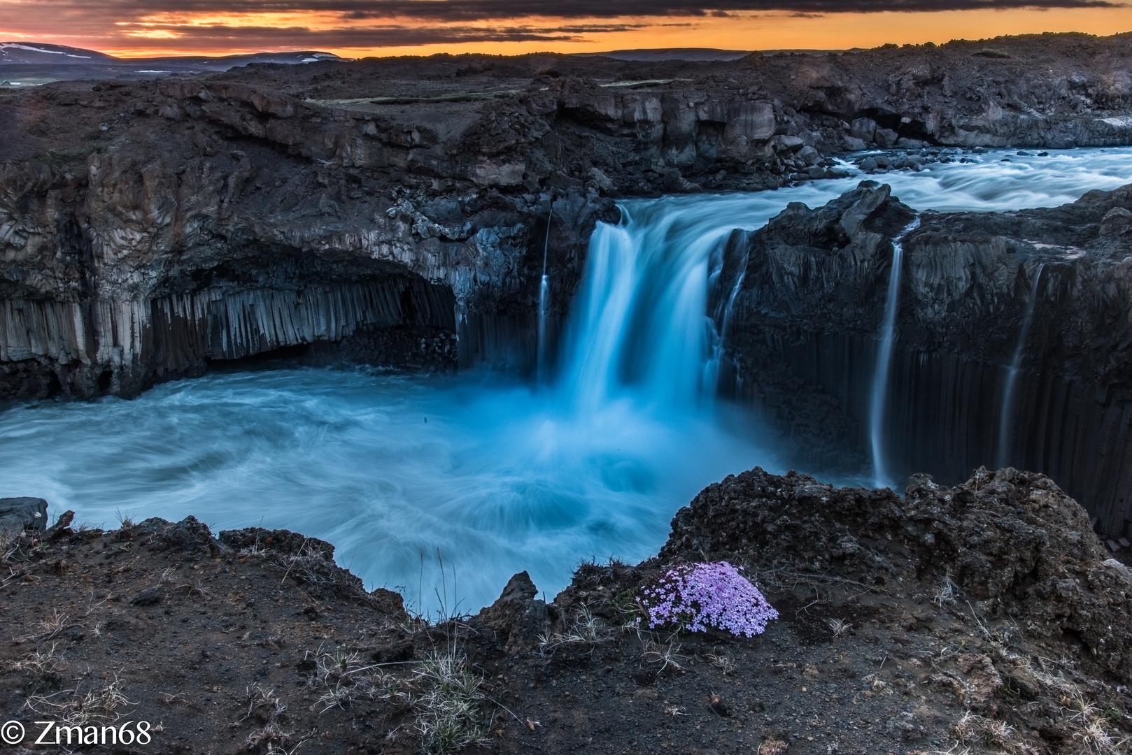 Aldeyjarfoss Waterfall 01