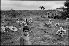 ©ALEX WEBB - MEXICO - Matamoros - 1978 Cemetary
