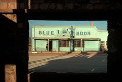 ©ALEX WEBB - MEXICO-Naco-Sonora (Border)-1979 - Outside a nightclub