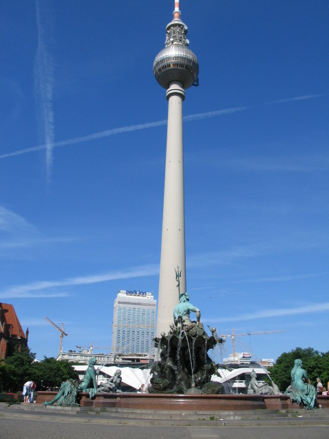 Alexanderplatz mit Neptunbrunnen & Fernsehturm