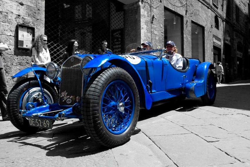 Alfa 8C ... Blu