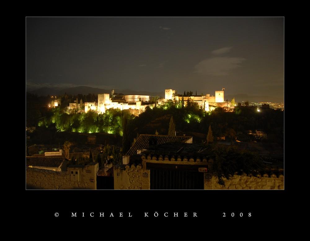 Alhambra bei Nacht (Granada/Spanien)
