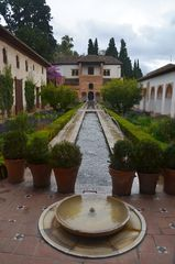 Alhambra und Palacio mit Jardines del Generalife