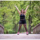 Alina auf der Brücke