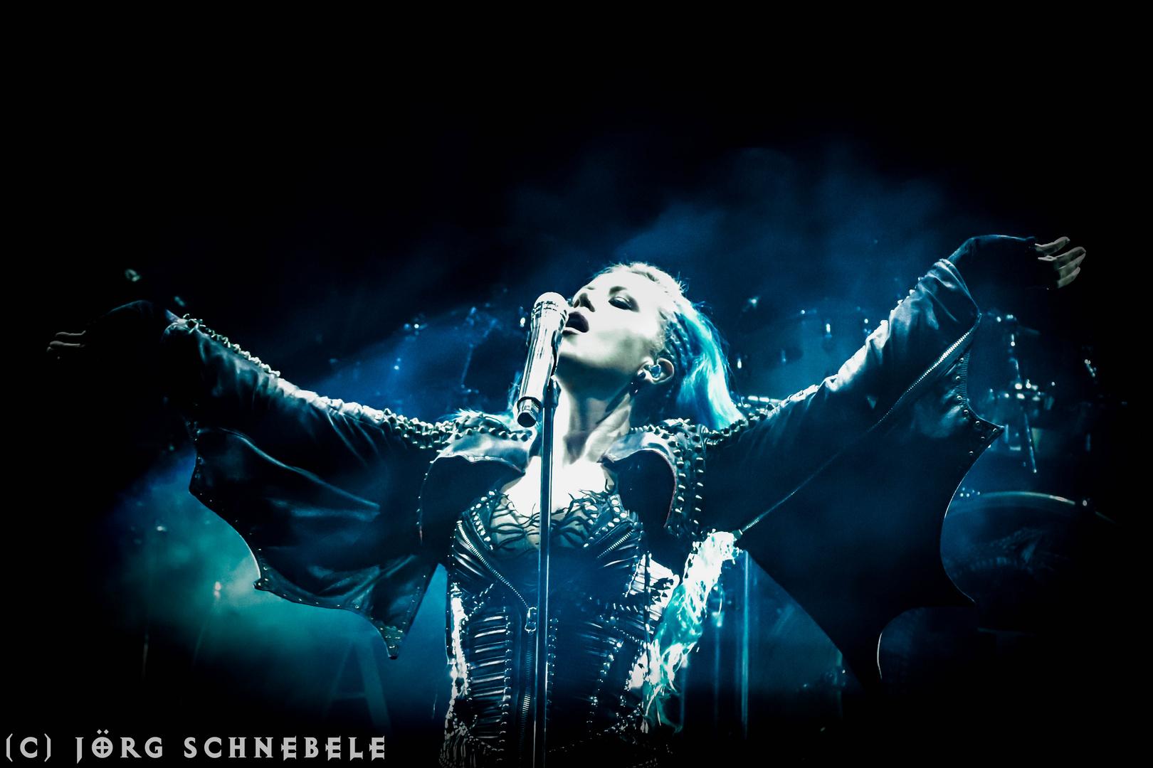 Alissa White-Gluz (Arch Enemy)