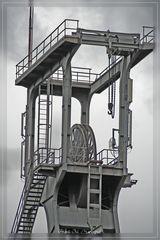 All along the watchtower III Die Sache hat doch einen Haken.......