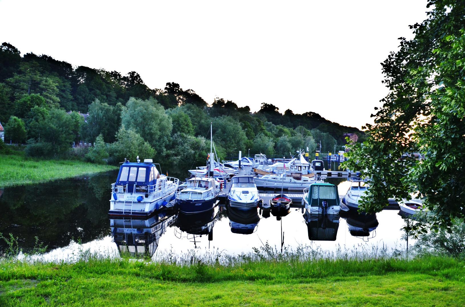 Alle Boote in Lauenburg gesichert