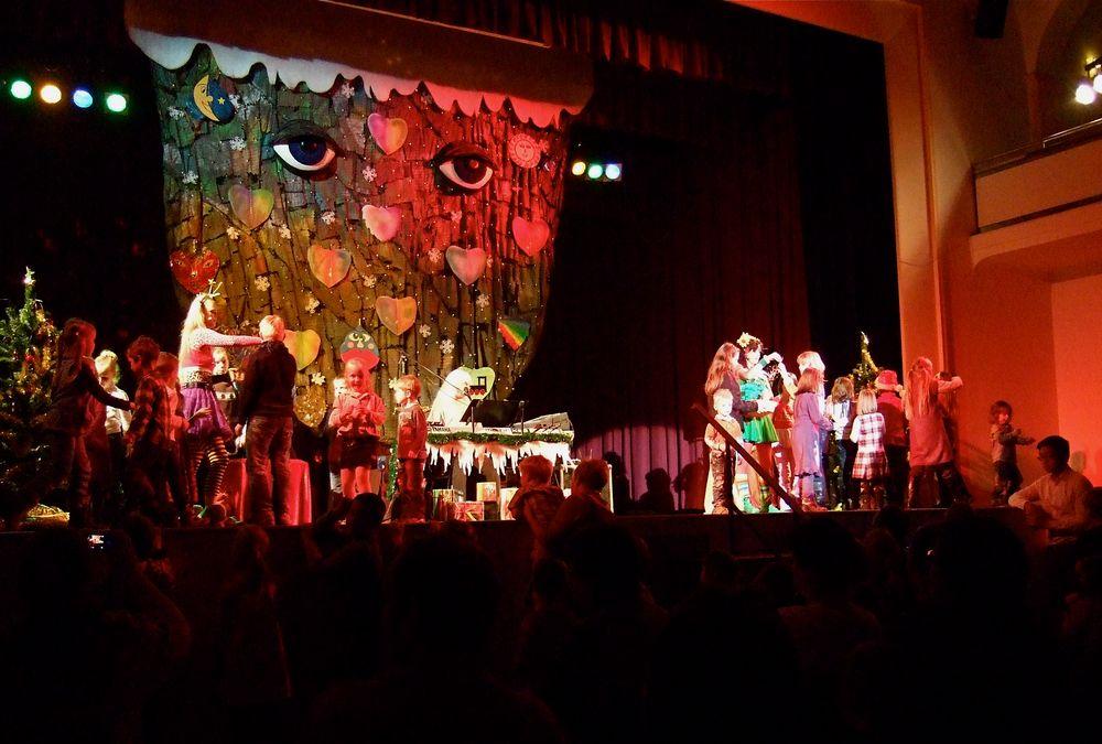 °°° Alle Kinder auf die Bühne - Zum Traumweihnachtsbaumschmücken °°°