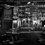 """""""Allein im Pub"""""""