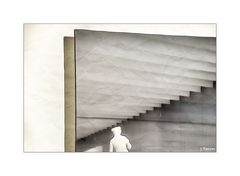 - Allein zwischen Formen und Strukturen -