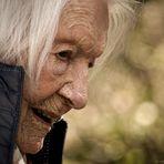 Alles Gute zum 105. Geburtstag, liebe Omi!