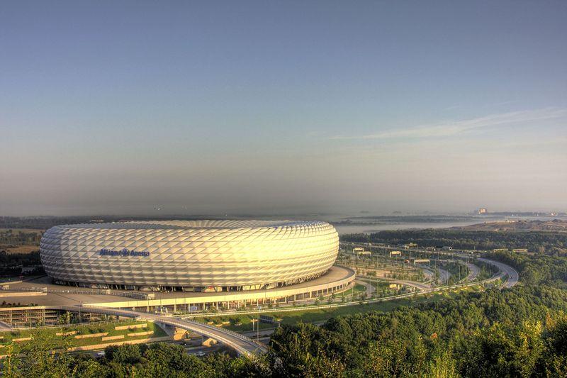 Allianz-Arena am frühen Morgen