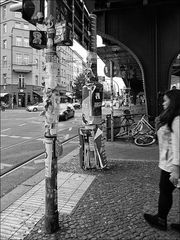 Alltag an der Schönhauser Allee (Berlin - Prenzlauer Berg)