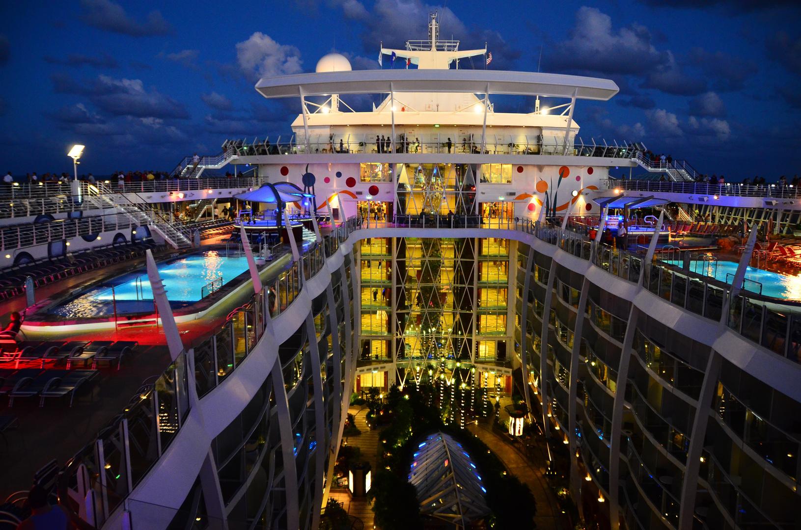 Allure of the Seas - das zur Zeit noch größte Kreuzfahrtschiff der Welt