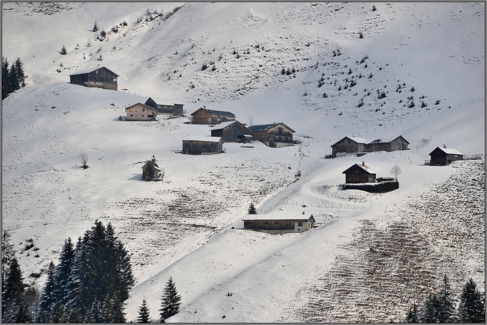 Almhütten im Faschina-Tal