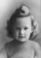 Alors, on recommence, c'est moi en 1953 ;)