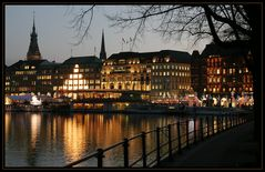 Alsterblick im Weihnachtsglanz - View of the Alster with Christmas decoration