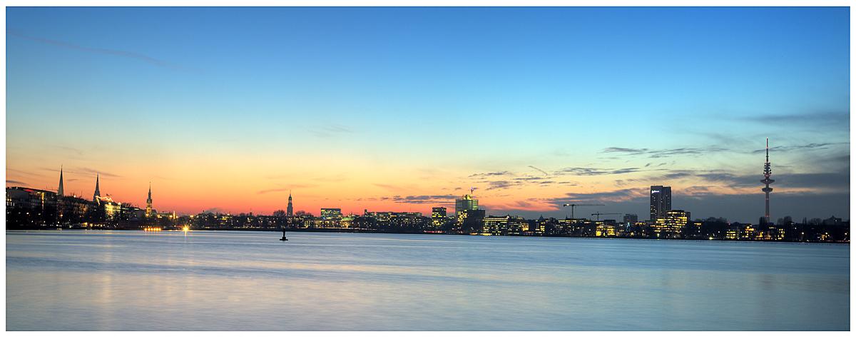 Alsterpanorama bei Sonnenuntergang