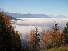 alt 2200 col du petit saint bernard, tapis de nuages sur la vallèe