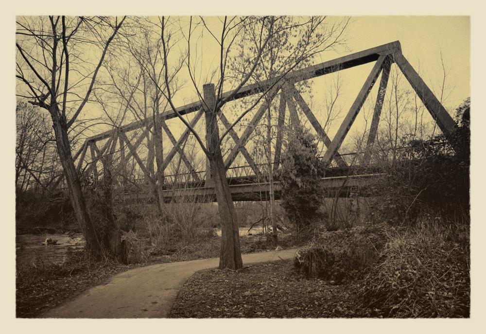 Alt auf alt von vor vier Tagen - Die Dreigurtbrücke in Düren aufgenommen am 19.01.2014