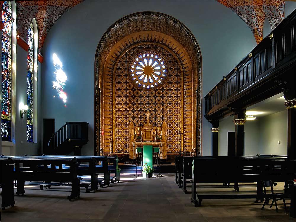 Alt - Katholische Friedenskirche in Essen