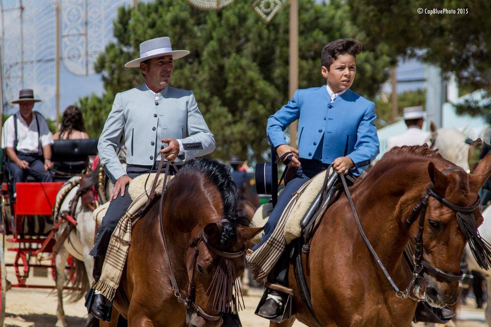 Alt und Jung reiten bei der Feria Chiclana