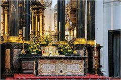 Altar, Dom