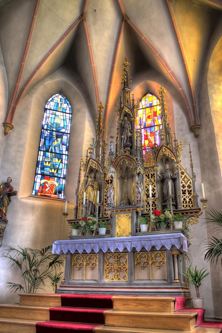 Altar in der Kirche Strasskirchen