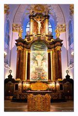 - Altarraum St. Michaelis -