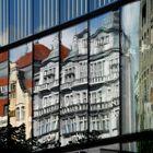Altbau in Neuer Architktur gespiegelt