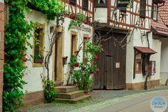 Altdeutsche Weinstube im Dornröschenort Dörrenbach