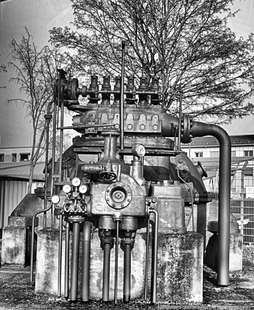 Alte AEG Dampfturbine