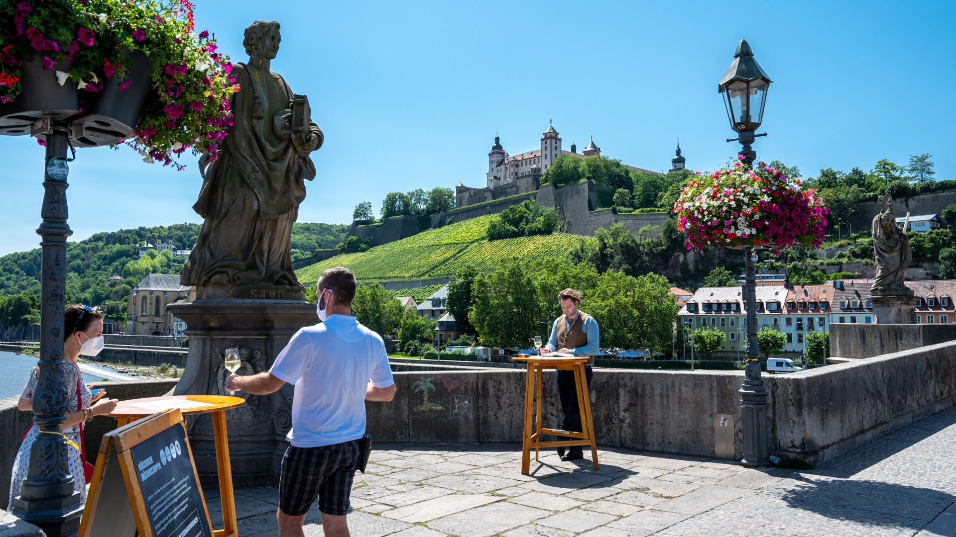 alte Brücke und Festung Marienberg