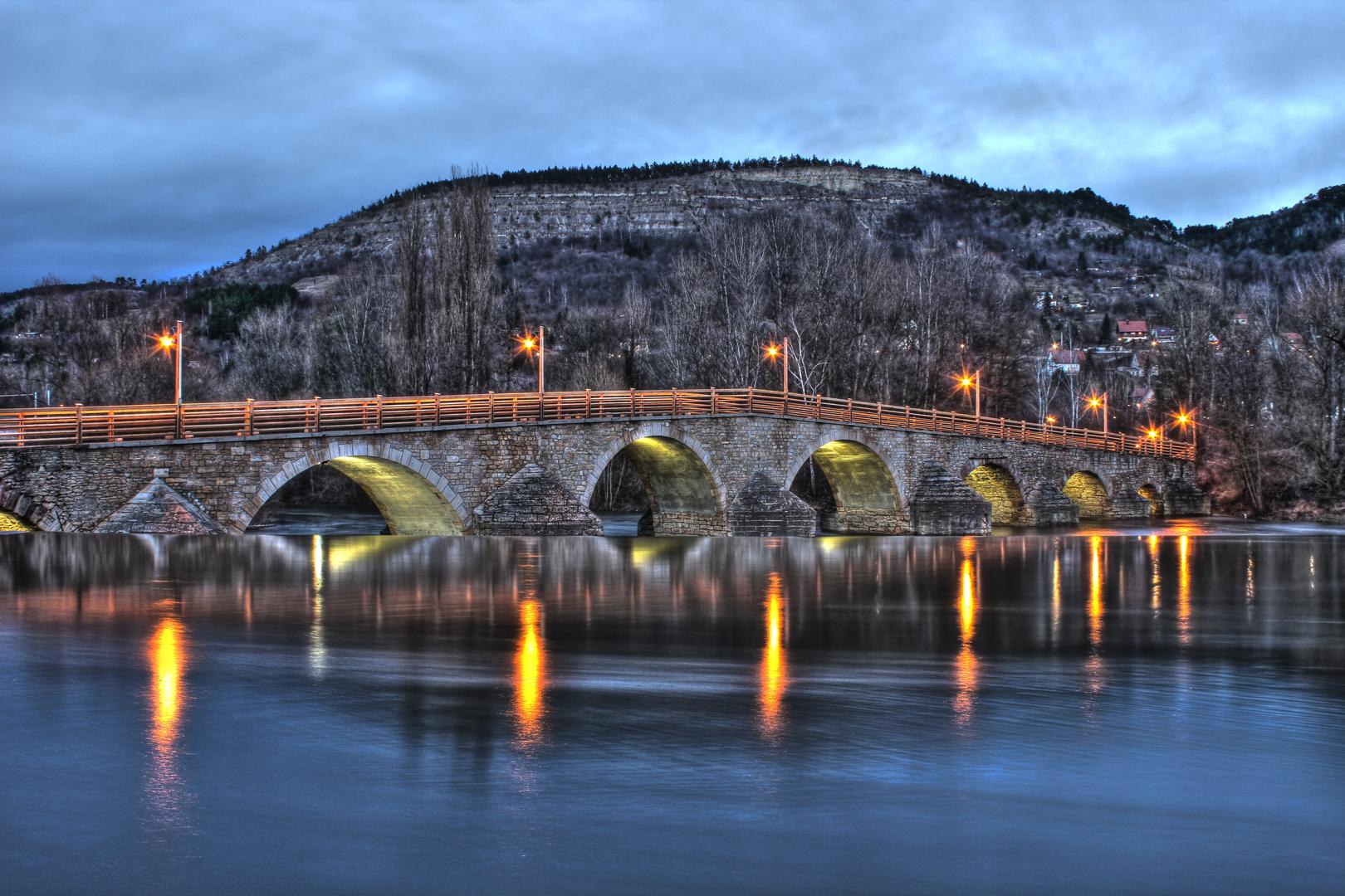 Alte Burgauer Brücke zur Dämmerung