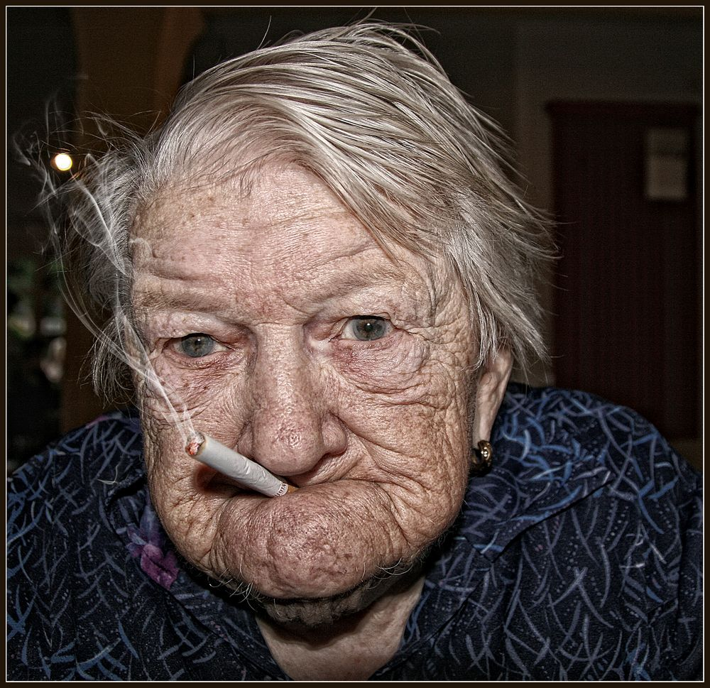Alte Dame Foto & Bild | portrait, portrait frauen, indoor