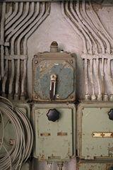 Alte deaktivierte Elektro-Schaltanlage (Lichtkunstkeller Unna)